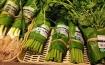 Thay túi nilon bằng lá chuối, cửa hàng Thái Lan gây sốt mạng thế giới khi tặng người mua một vé về tuổi thơ